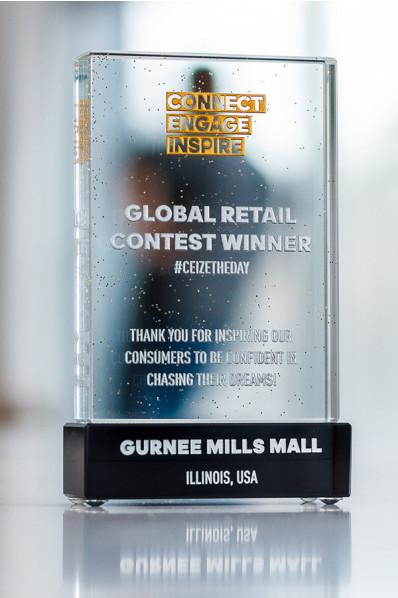 Trofeo de cristal con base negra